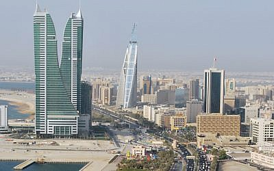 (A view of the Manama skyline, Bahrain (CC-BY Jayson De Leon/Wikimedia Commons)