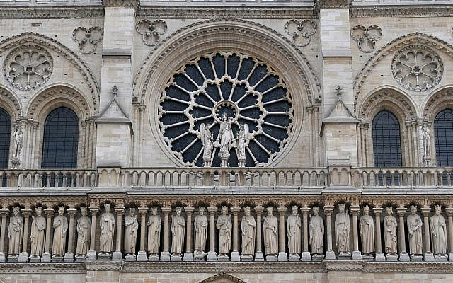 The Gallery of Kings on the facade of Notre Dame Cathedral (CC BY Serge Melki/Wikimedia Commons)