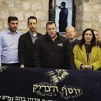 Incoming Knesset members pray at Joseph's Tomb near Nablus, West Bank Samaria Regional Council head Yossi Dagan (C) Likud's Eti Atia (3rd R) Likud's Uzi Dayan (R) Likud's Ariel Kallner (5th L), Union of Right-Wing Parties incoming MK Idit Silman, on April 24, 2019 (Screen grab via Twitter)