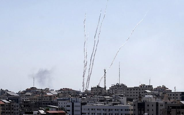 A picture taken from the Gaza Strip on May 4, 2019 shows rockets being launched toward Israel (MAHMUD HAMS / AFP)