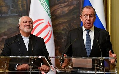 Russian Foreign Minister Sergei Lavrov (right) and his Iranian counterpart Mohammad Javad Zarif give a joint press conference following their meeting in Moscow on May 8, 2019. (Alexander Nemenov/AFP)