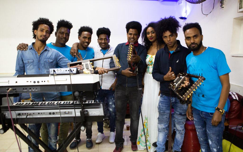 Eritrean wedding band Koaliban. (Dafna Talmon)