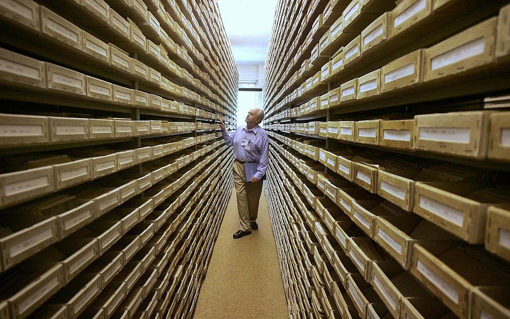German Holocaust archive puts over 13 million documents online