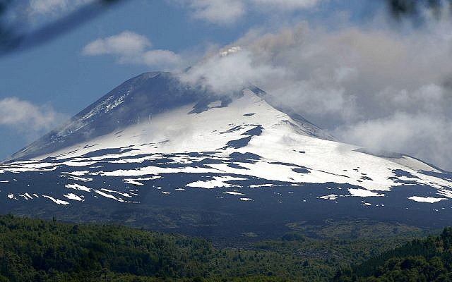 A view of the Llaima volcano after it erupted in Chile's Conguillio National Park, Jan. 2, 2008. (AP Photo/Juan Tejos)