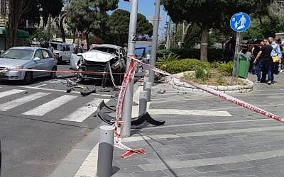 The scene of an apparent gang-related car bomb in Haifa on May 3, 2019. (Israel police)