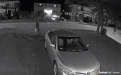 A suspect in the fires at a Boston-area Chabad in May 2019 captured by a security camera (Chabad)