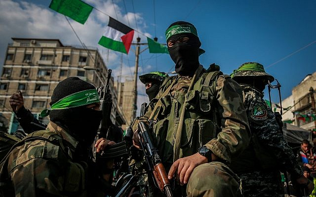 Supporters of Hamas attend a rally marking the terror group's founding in Gaza City on December 14, 2015. (Emad Nassar/Flash90)