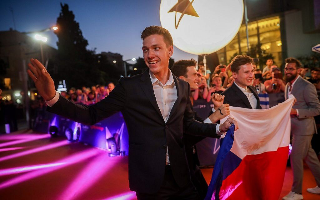 Czech Republic contestant Lake Malawi walk on the Orange Carpet, during the opening event of the 2019 Eurovision Song Contest, at Habima Square in Tel Aviv on May 12, 2019. (Hadas Parush/Flash90)