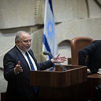 Yisrael Beitenu chairman Avigdor Liberman speaks in the Knesset on May 13, 2019. (Noam Revkin Fenton/Flash90)