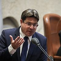 Likud MK Ofir Akunis speaks at the Knesset, on May 20, 2019. (Noam Revkin Fenton/Flash90)
