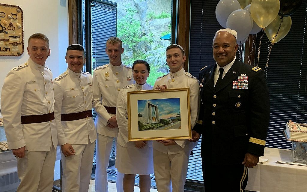Five of the 12 Jewish cadets who graduated from West Point stand together together with Lt. Gen. Darryl A. Williams, superintendent of West Point. The cadets are, from left to right: Joshua Fernquist, Andrew Zinner, Noah Carlen, Rachelle David and Ryan Oppenheim (Courtesy Glenn Goldman)