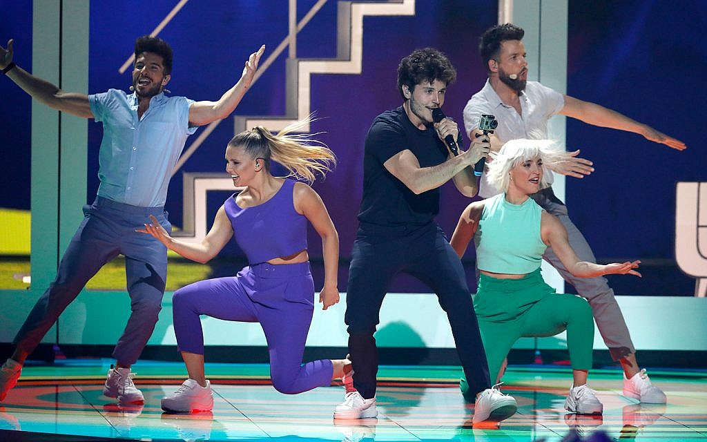 "Miki of Spain performs the song ""La Venda"" during the 2019 Eurovision Song Contest grand final in Tel Aviv, Israel, May 18, 2019. (AP Photo/Sebastian Scheiner)"