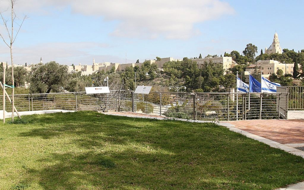 The newly-opened Ketef Hinnom Archeological Garden in Jerusalem. (Shmuel Bar-Am)