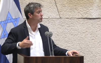 Blue and White MK Yoaz Hendel at the Knesset, May 29, 2019 (screenshot)