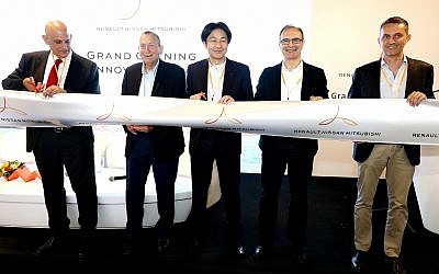 Aharon Aharon, CEO of Israel innovation Authority, left to right, Ron Huldai, Mayor of Tel Aviv; Tsuyoshi Yamaguchi, Alliance Executive Vice President, Engineering; Gaspar Gascon Abellan, Deputy Alliance Executive Vice President, Engineering; Antoine Basseville, Director of Alliance Tel Aviv Open Innovation Lab at the opening of the Alliance Innovation Lab Tel Aviv; June 10, 2019 (Niv Kantor)