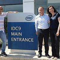 CEO of Intel Corp., Bob Swan, center, visits the US tech giant's Haifa facility on June 16, 2019. (Ezra Levy)