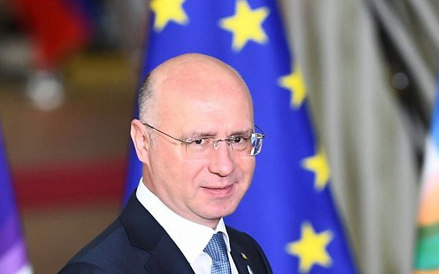 In this photo from November 24, 2017, Moldova's Prime Minister Pavel Filip arrives for an EU Eastern Partnership summit with six eastern partner countries at the European Council in Brussels. (Emmanuel Dunand/AFP)