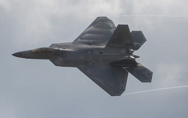 In this photo from September 16, 2017, an F-22 Raptor does a fly-by during the airshow at Joint Andrews Air Base in Maryland. (Andrew Caballero-Reynolds/AFP)