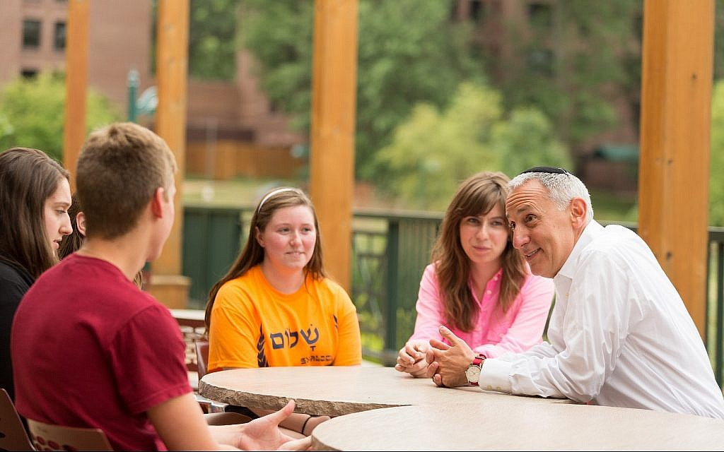 Eric Fingerhut speaks to students at the Hillel Institute, a conference in St. Louis, in 2013. (Jonathan Heisler/via JTA)