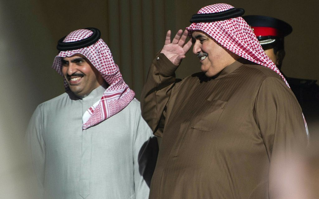Bahraini Foreign Minister Khalid bin Ahmed al-Khalifa, right, gestures as Secretary of State Mike Pompeo leaves at the Al-Qudaibiya Palace in Manama, January 11, 2019. (Andrew Caballero-Reynolds/Pool/ AP)