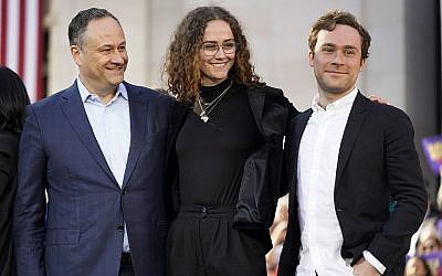 Kamala Harris Jewish Husband Takes On Growing Public Role In 2020 Race The Times Of Israel