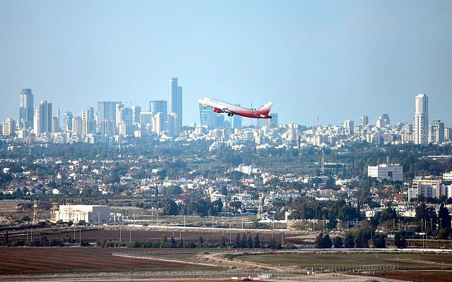 An airplane takes off from Ben Gurion International Airport, on November 15, 2018. (Flash90)