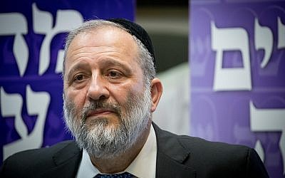 Interior Minister and Shas party leader MK Aryeh Deri gives a statement to the press during a Shas faction meeting in the Knesset, Jerusalem, May 30, 2019. (Yonatan Sindel/Flash90)