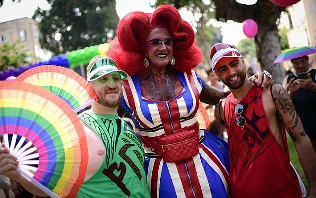 Vybírejte z nejširší nabídky Gay Pride.