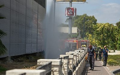Firefighters at the scene of an ammonia leak in Acre, June 27, 2019. (Meir Vaknin/Flash90)