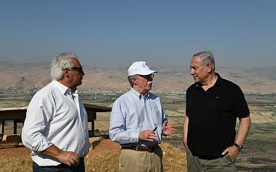 Prime Minister Benjamin Netanyahu (R), US National Security Advisor John Bolton (C) and US Ambassador to Israel David Friedman tour the Jordan Valley on June 23, 2019. (Kobi Gideon/GPO)