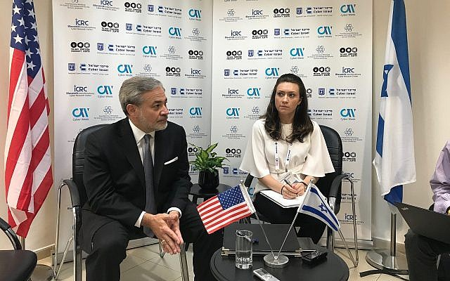 Dan Brouillette , Deputy Secretary at the US Department of Energy, left, at a press briefing on the sidelines of Cyber Week at Tel Aviv University, June 26. 2019 (Shoshanna Solomon/Times of Israel)