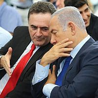 Prime Minister Benjamin Netanyahu and then-Transportation Minister Israel Katz attend the inauguration ceremony for a new train station in the southern Israeli town of Kiryat Malachi, September 17, 2018. (Flash90)