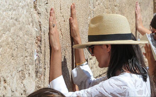 Former US ambassador to UN Nikki Haley prays at the Western Wall in Jerusalem's Old City on June 26, 2019. (Oren Ben Hakon/Israel Hayom)
