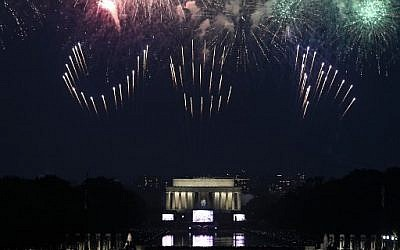 Fireworks spell out 'USA' as they explode over the Lincoln Memorial during the Fourth of July celebrations in Washington, DC, July 4, 2019. (ANDREW CABALLERO-REYNOLDS/AFP)