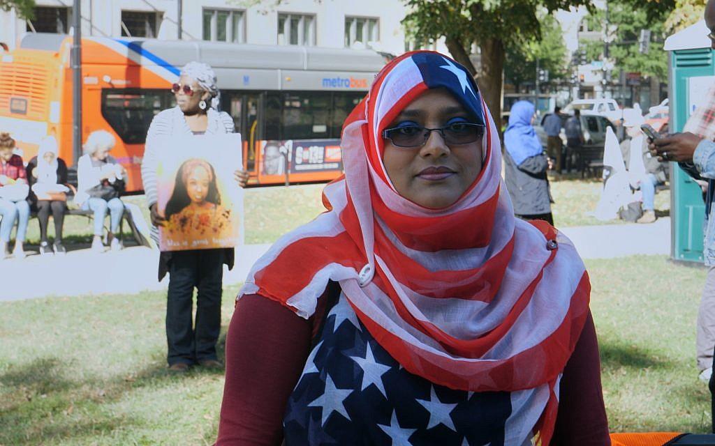 Yemeni-American woman with flag hijab. (Adam Zucker)