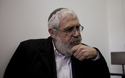 Rabbi Mordechai 'Moti' Elon seen in the Jerusalem Magistrate's Court prior to his sentence hearing, on December 18, 2013. (David Vaaknin/Flash 90)