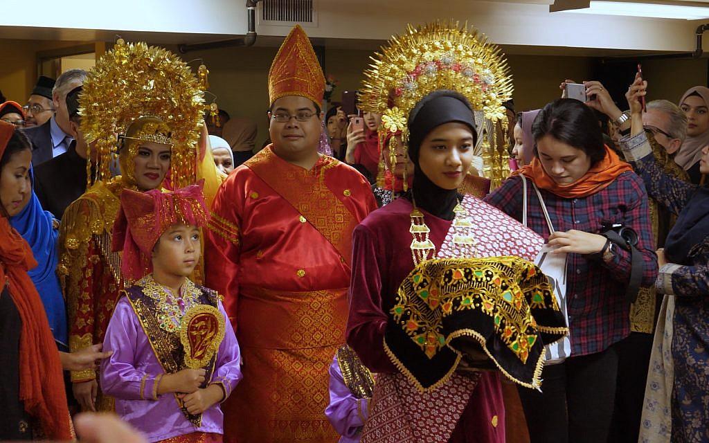 Indonesian wedding in New York. (Adam Zucker)
