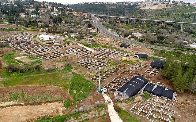 The huge settlement from the Neolithic Period that was discovered in the archaeological excavations at the Motza intersection near Jerusalem by the Antiquities Authority. (Eyal Marco, Antiquities Authority)