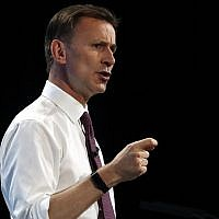 Conservative party leadership candidate and UK Foreign Minister Jeremy Hunt gives a speech during a Conservative leadership hustings at ExCel Centre in London, July 17, 2019. (AP Photo/Frank Augstein)