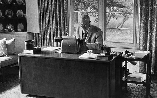 British novelist P.G. Wodehouse works at his typewriter at his Long Island home in Remsenburg, New York, October 13, 1971. (AP Photo)