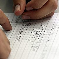 Illustrative image of Israeli high school student taking a mathematics paper, May 25 2010. (Yossi Zamir/Flash 90)