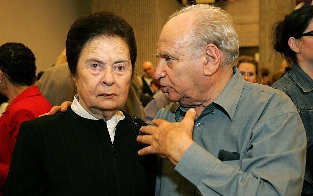 Ora Namir, left, and Arieh 'Luba' Eliav, December 1, 2005. (Moshe Shai/Flash90)