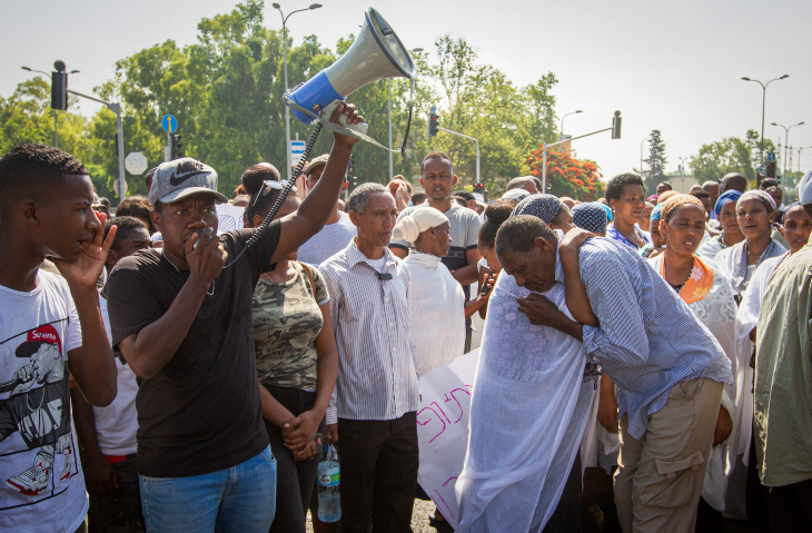Ethiopian Jews clash with Israel police over shooting