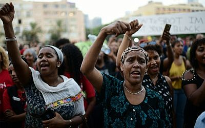 Ethiopian-Israelis and supporters protest police violence and discrimination in Tel Aviv, July 8, 2019. (Tomer Neuberg/Flash90)