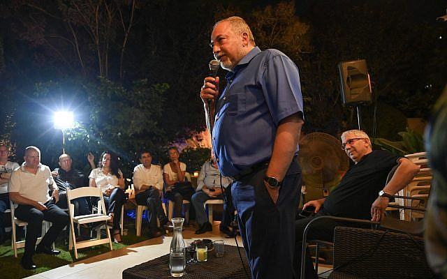 Yisrael Beytenu chairman Avigdor Liberman speaking at a parlor event in Ramat Gan, July 9, 2019. (Shachar Azran)