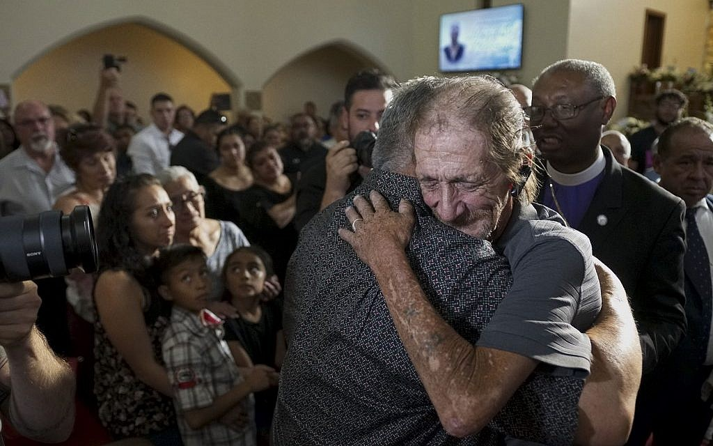 Hundreds show up for memorial for El Paso shooting victim with little family