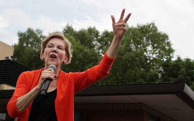 Democratic presidential candidate US Sen. Elizabeth Warren, a Massachusetts Democrat, delivers a campaign speech at the Des Moines Register Political Soapbox at the Iowa State Fair on August 10, 2019 in Des Moines, Iowa.  (Alex Wong/Getty Images/AFP)