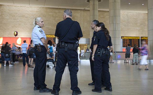 Israeli police officers stand guard at Ben Gurion international airport near Tel Aviv , Israel,Thursday, July 7, 2011. (AP/Ariel Schalit)