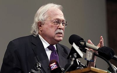 Illustrative: Pathologist Dr. Michael Baden speaks during a news conference to share preliminary results of a second autopsy done on Michael Brown in St. Louis County, Missouri, August 18, 2014. (AP Photo/Jeff Roberson, File)