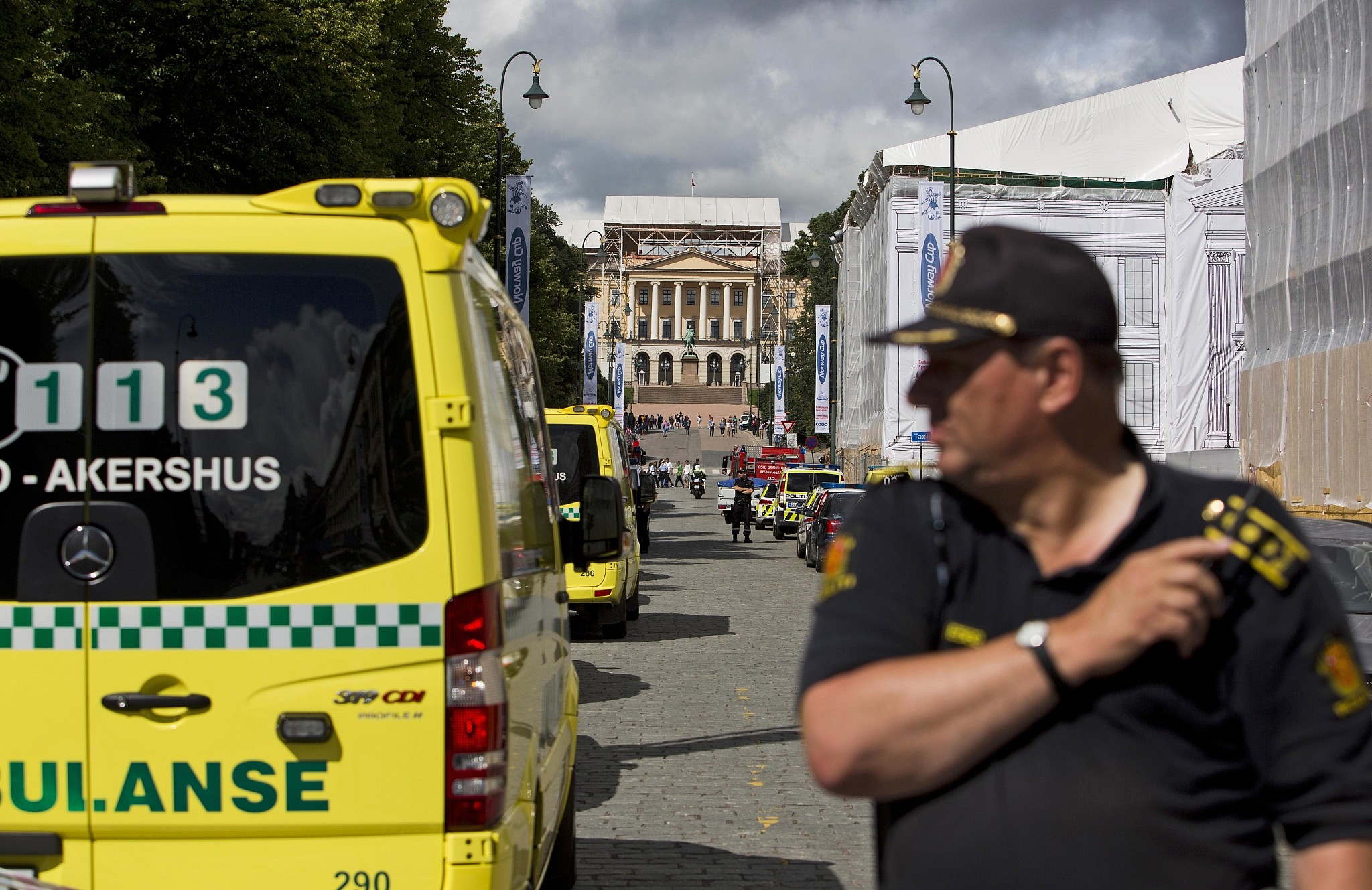 Illustrative Police and ambulances deployed in Oslo after a bomb scare
